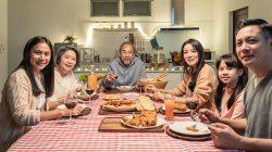 7 Kegiatan Yang Bikin Betah di Rumah Saat PPKM